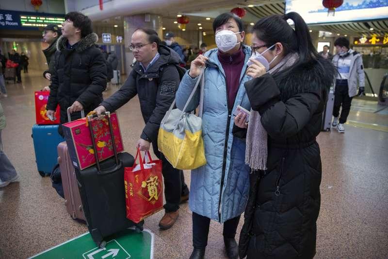武漢肺炎(新型冠狀病毒肺炎)疫情爆發,中國人心惶惶(AP)