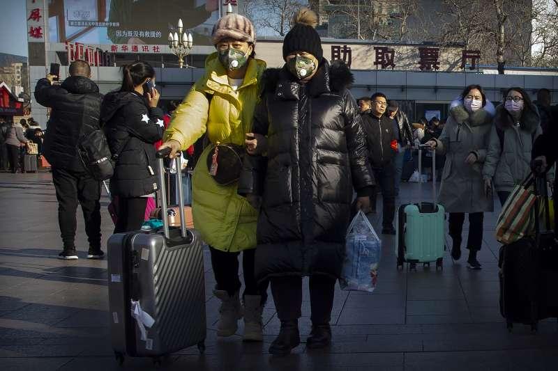 2020年1月春節前夕,武漢肺炎疫情爆發,中國人心惶惶(AP)