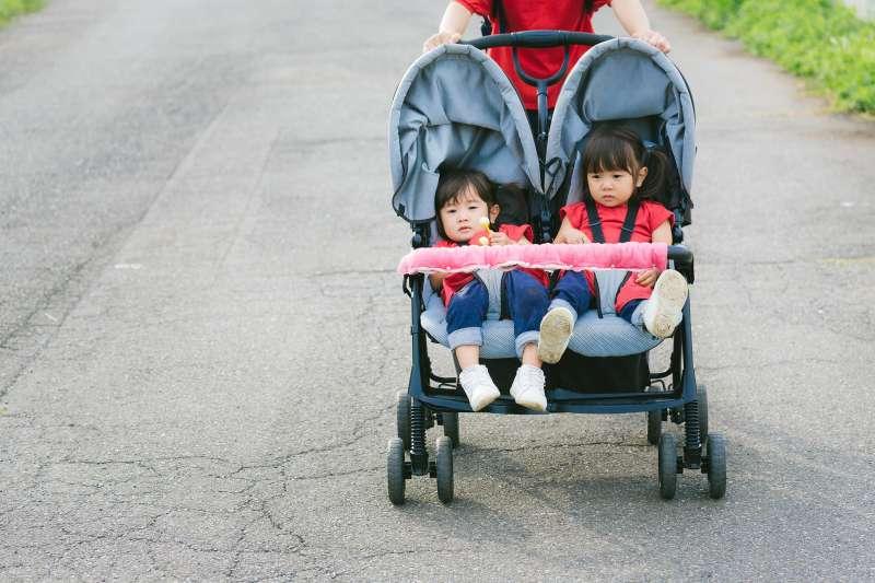 女人不是討厭當媽, 而是痛恨隱形爸爸。(圖/pakutaso)