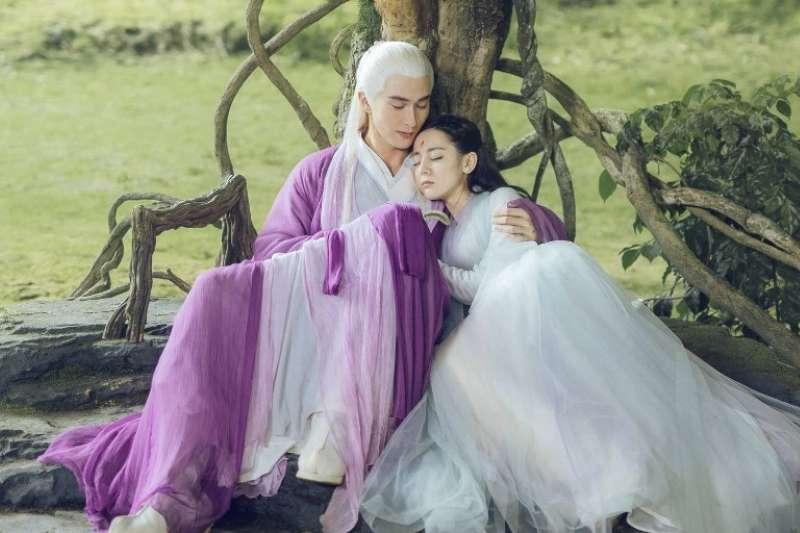 《三生三世十里桃花》中讓劇迷們扼腕的鳳東CP,新一季劇情中究竟能否成功在一起?(圖/《三生三世枕上書》官方微博)
