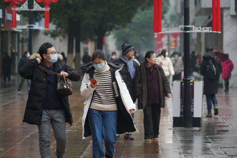 中國武漢肺炎疫情一發不可收拾,人心惶惶(AP)