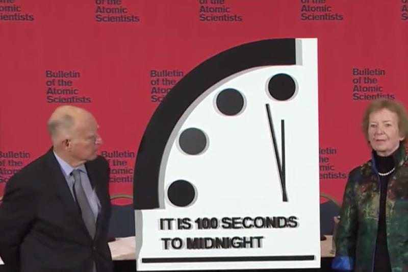 「末日鐘」調快時間,距離「人類滅亡」的午夜只剩100秒(擷取自YouTube)