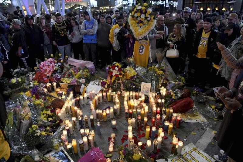 美國NBA球星布萊恩墜機逝世,球迷哀悼(AP)