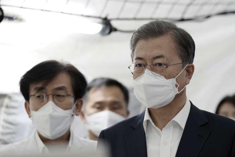 武漢肺炎:南韓總統文在寅戴口罩(AP)