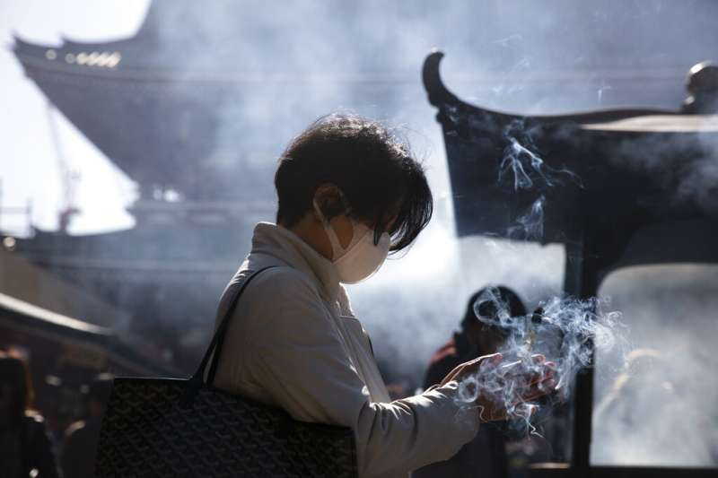 日本、廟宇、信仰、香爐、東京淺草寺。(美聯社)