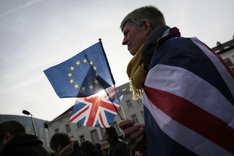 英國於2020年1月31日晚間23點01分正式脫離歐盟,進入為期11個月的談判過渡期。(AP)