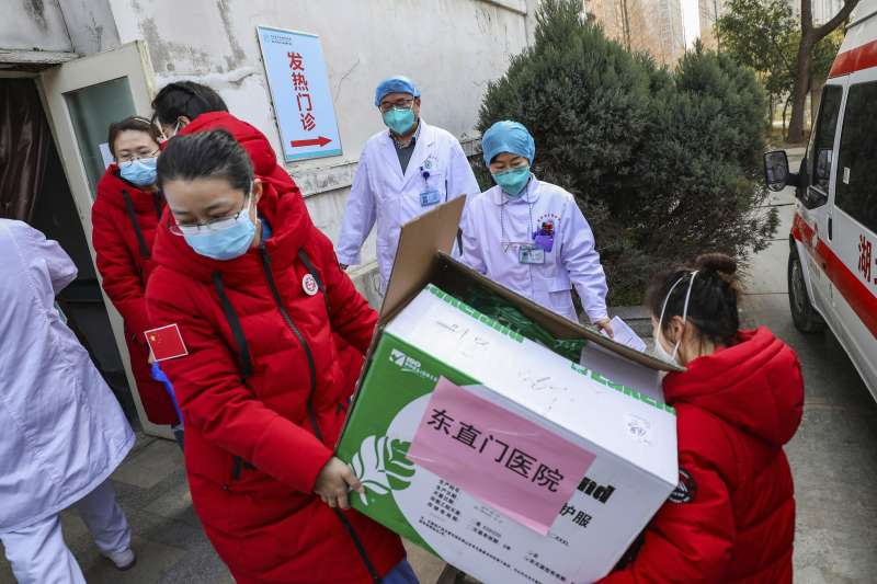 2020中國武漢肺炎疫情,武漢第一線醫護人員(AP)