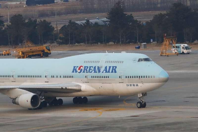南韓政府啟動武漢撤僑行動,三架包機撤回近800位僑民及其家屬。(AP資料照)