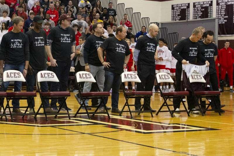 布萊恩曾就讀的勞爾梅里恩高中,在主場賽事前舉行布萊恩紀念儀式。(美聯社)