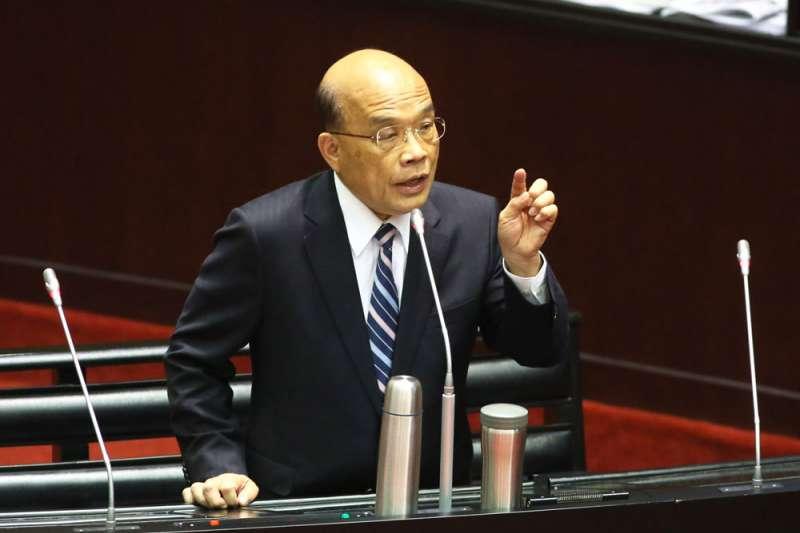蘇貞昌雖因「台灣優先」論招致特定炮火攻擊,但整體防疫政策未受太大阻力。(柯承惠攝)
