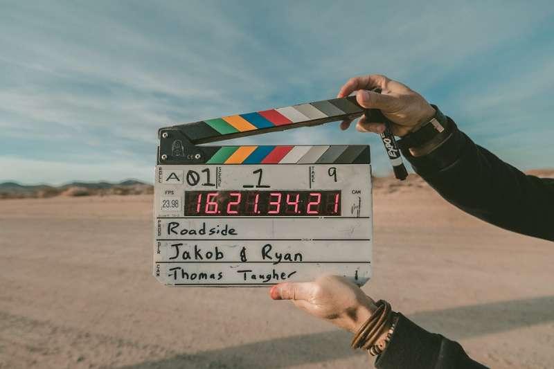 大衛・林區是知名的美國導演,入圍過3次奧斯卡,他和美國評論家克莉絲汀娜・麥坎娜合寫自己的自傳《在夢中》。(示意圖,取自pixabay)