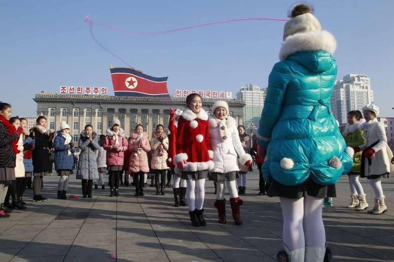 北韓人慶祝農曆新年(AP)