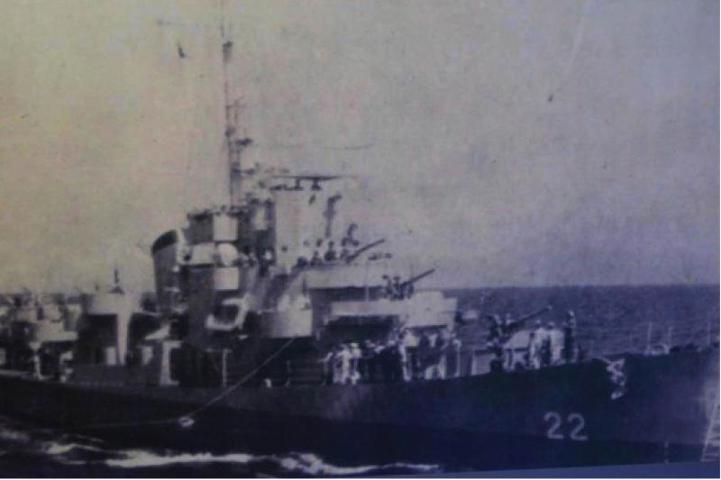 """20200206-""""大中华胶""""曾经是美国用来挑战英国东南亚影响力的工具,图为接收太平岛的中华民国海军太平军舰。(作者提供)"""