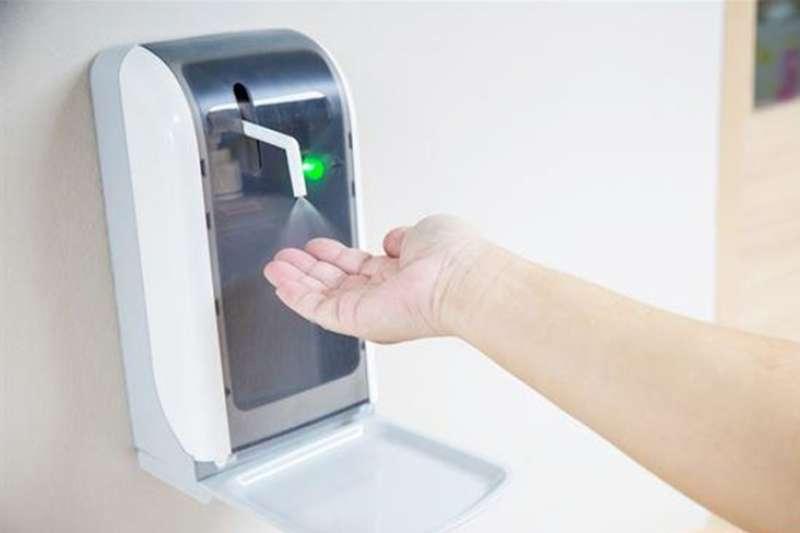 酒精、乾洗手、次氯酸水超夯 抗病毒怎麼用?懶人包一次看懂。(圖/華人健康網)