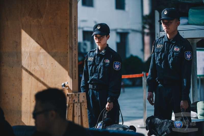 20200207-憲兵首個「緝毒犬分組」6日編成,執行各項毒品掃蕩工作。(取自軍聞社)