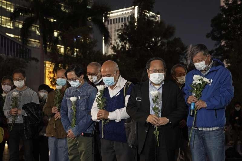中國武漢肺炎疫情風暴,率先發出警訊、遭到官方懲誡、為救治病患不幸殉職的李文亮醫生(AP)