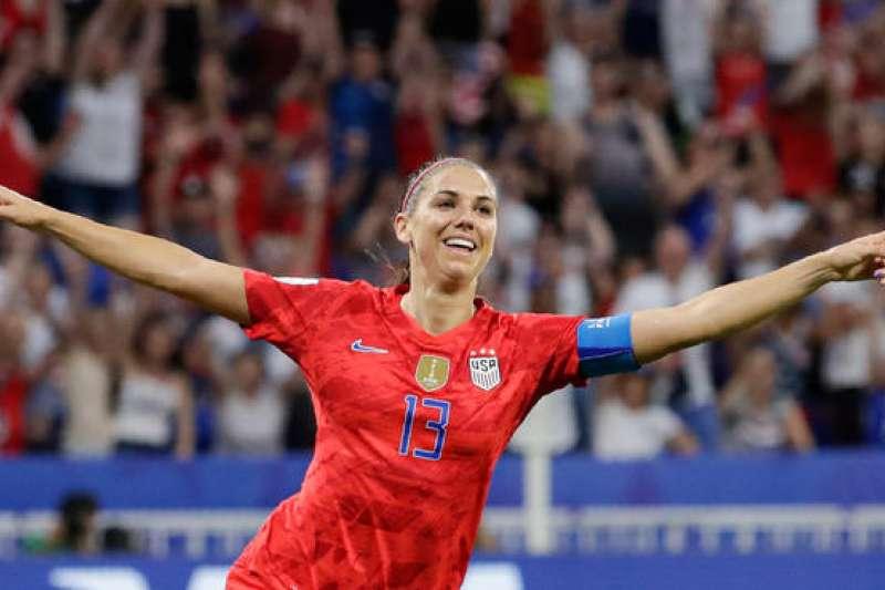 美國女足明星摩根目標產後3個月重返國家隊,目前懷孕7個月仍保持訓練。(AP)