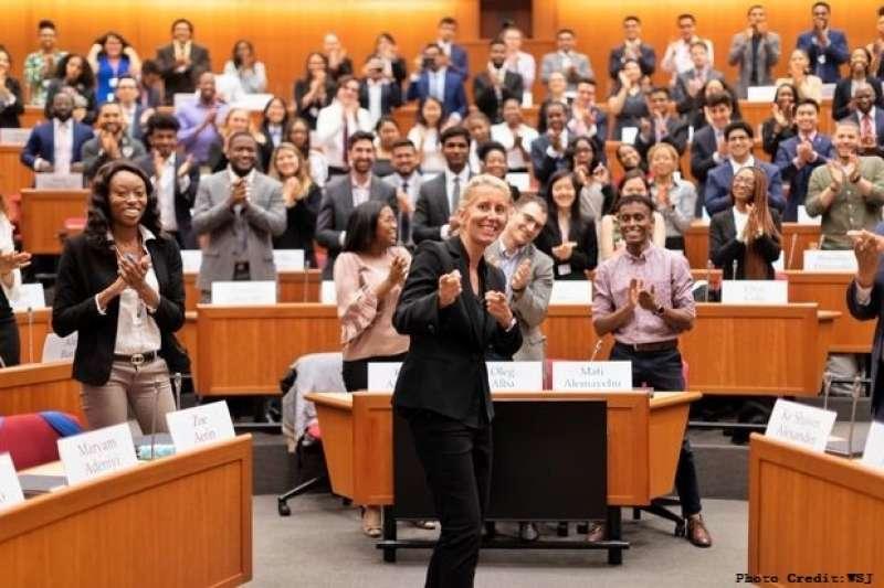 Anita Elberse在這堂熱門選修課中,教導學生們如何在激烈競爭中擬定專屬自己商業策略。(圖/創新拿鐵)