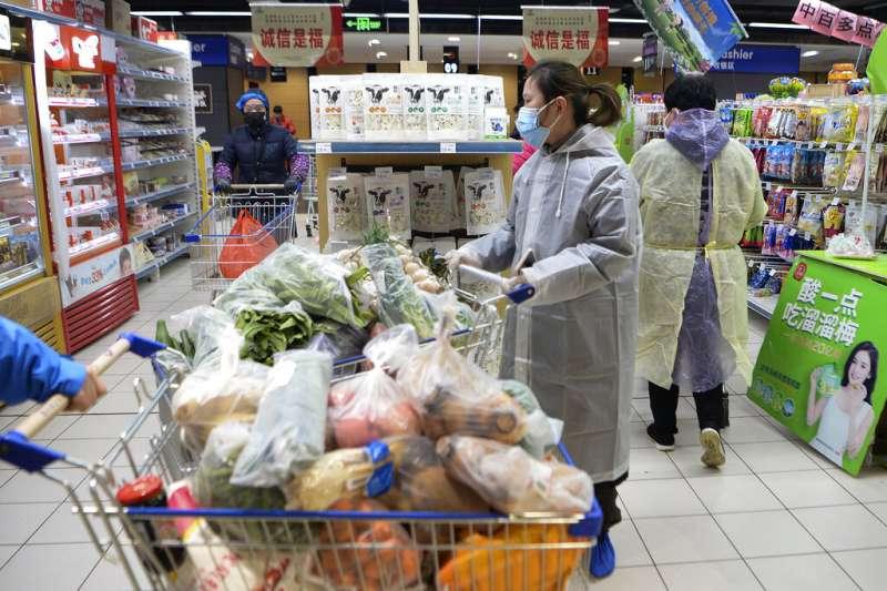 武漢雖然已封城逾兩周,但根據數據顯示,肺炎疫情可能尚未來到高峰。(美聯社)