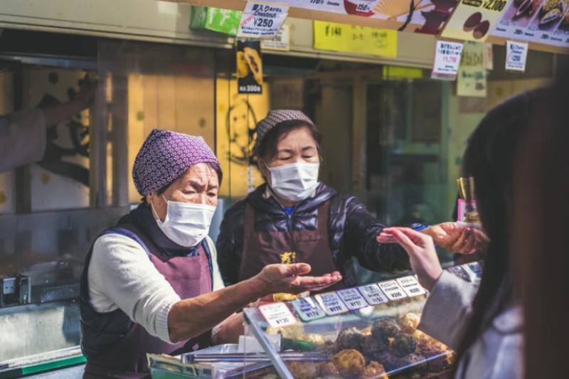 最近香港有一社區爆發肺炎案例,傳相距十層樓的住戶疑因共用排糞管和化糞池導致交叉傳染,消息一出引得人心惶惶。(圖/unsplash)