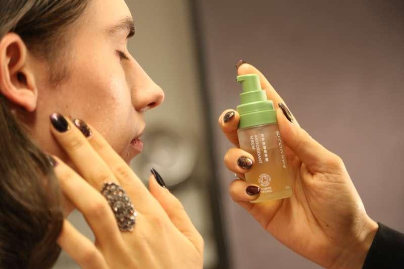 台灣純淨保養品牌「綠藤生機」再次登上國際舞台——紐約時裝週