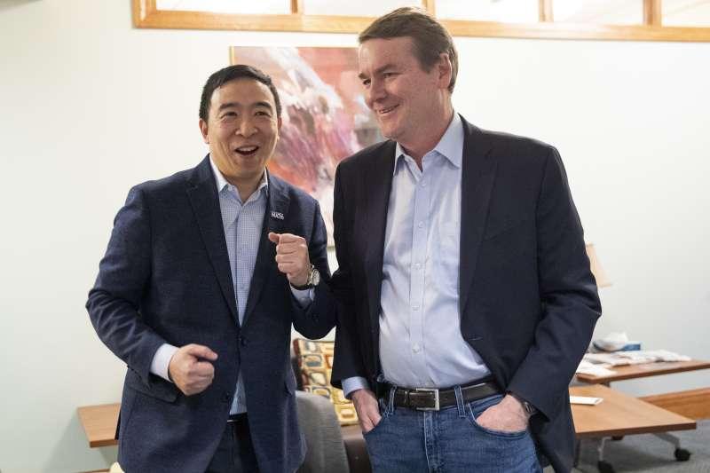 2020美國總統大選:參加民主黨初選的台裔楊安澤與科羅拉多州聯邦參議員班奈特宣布退選(AP)