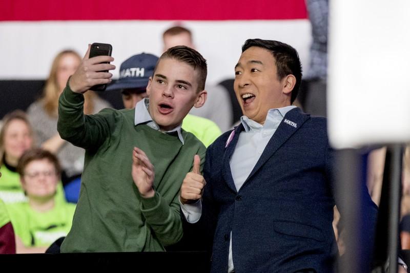 2020美國總統大選:參加民主黨初選的台裔楊安澤(AP)