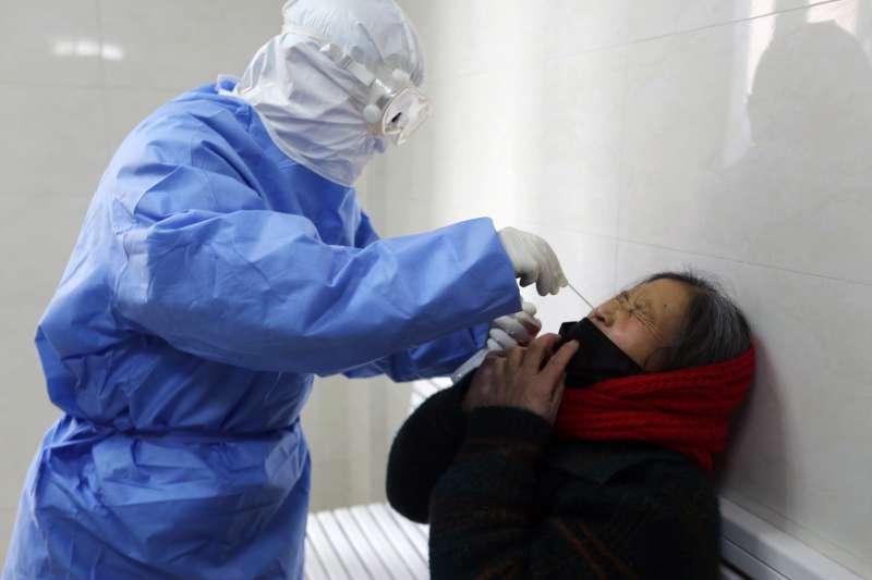 知名小兒科醫師陳木榮表示,武漢肺炎社區感染可能出現在台灣。示意圖。(資料照,美聯社)