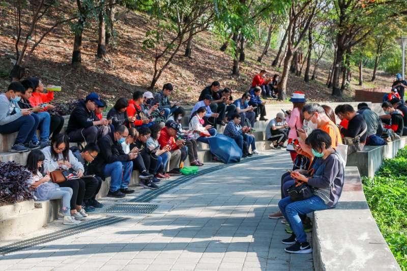 臺中市政府跟國際知名手遊「Pokémon GO」合作,為台灣燈會創造參觀人潮及另類商機。(圖/台中市政府提供)