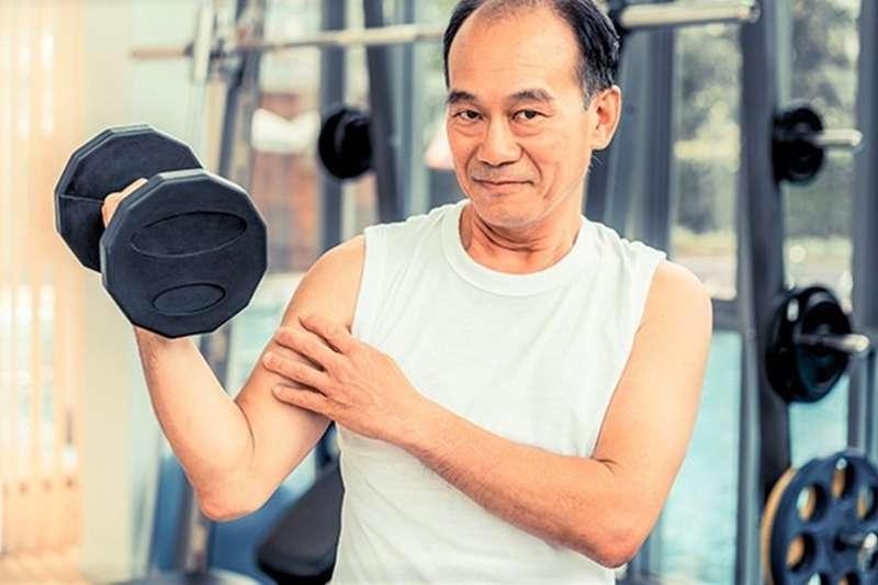 究指出,適度運動有助於增強免疫力和降低感染風險,中強度運動可改善因老化而下降的免疫功能。(圖/NOW健康提供)
