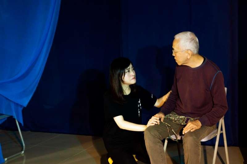 第二場找平衡演員賴品璇和丁素媛。(作者提供,張瑞宗攝影)