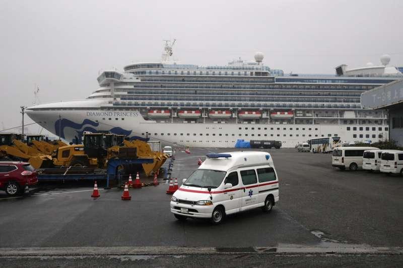 日本政府處理「鑽石公主號」失當,讓各國開始思考自行接回僑民。(美聯社)