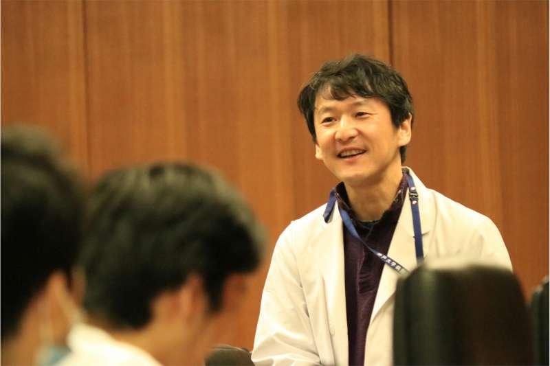 岩田健太郎。(翻攝神戶大學官網)