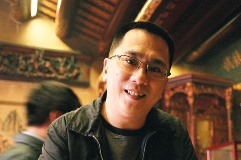 日前台灣出現首例因感染新冠肺炎死亡病患,曾協助該患者在初期就診時的醫師遭到抨擊,對此,網購達人「486先生」稱讚其為「真英雄」,呼籲民眾要支持醫護人員。(取自486先生臉書)