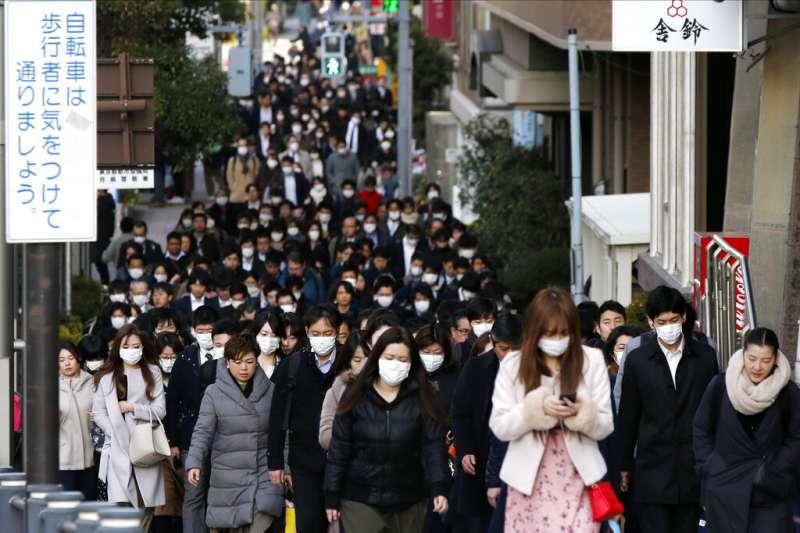 東京、上班族、口罩、日本。(美聯社)