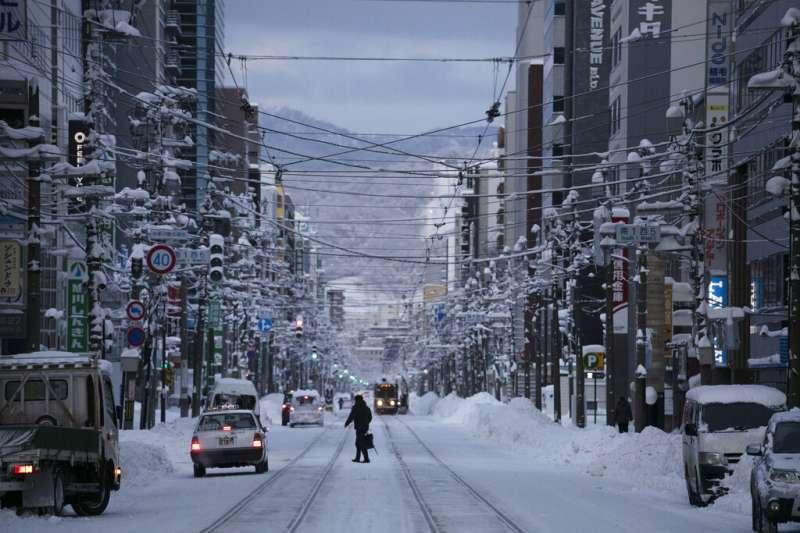 北海道札幌降雪。(美聯社)