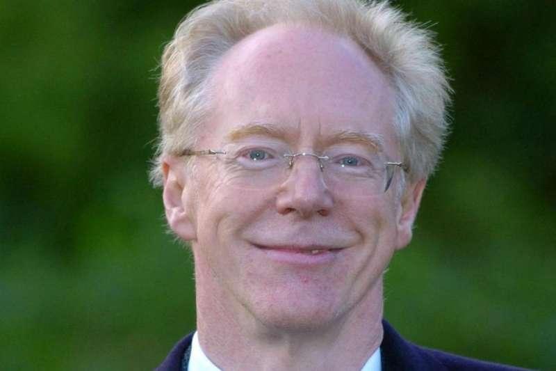 劍橋性醜聞主角彼得·哈欽森(Peter Hutchinson)博士2015年因性騷擾學生指控被停止教學,2019年辭職。(BBC News 中文)