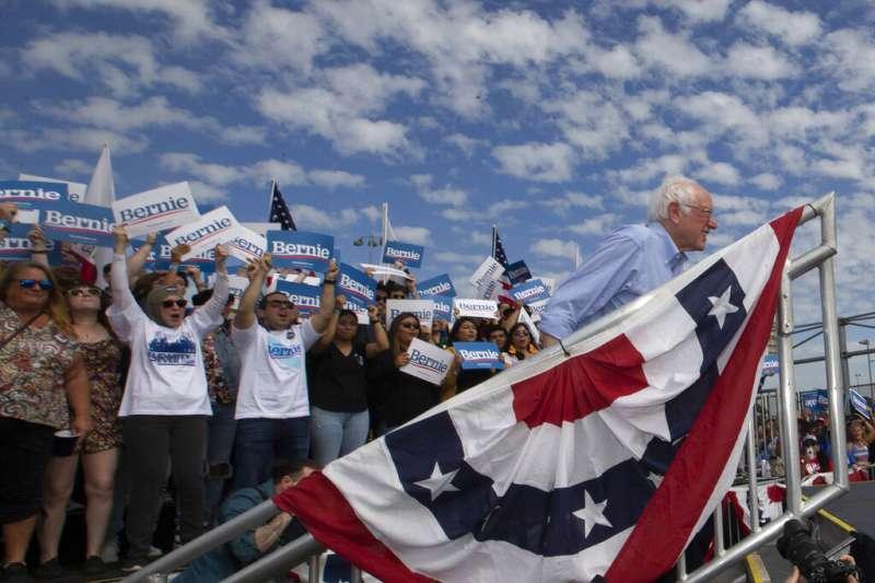 21日、內華達州初選前夕,民主黨參選人、佛蒙特州聯邦參議員桑德斯表示,情報官員曾告知他,俄羅斯不僅想要干預2020美國總統大選結果,還想介入民主黨初選,協助他出線對戰川普。(AP)