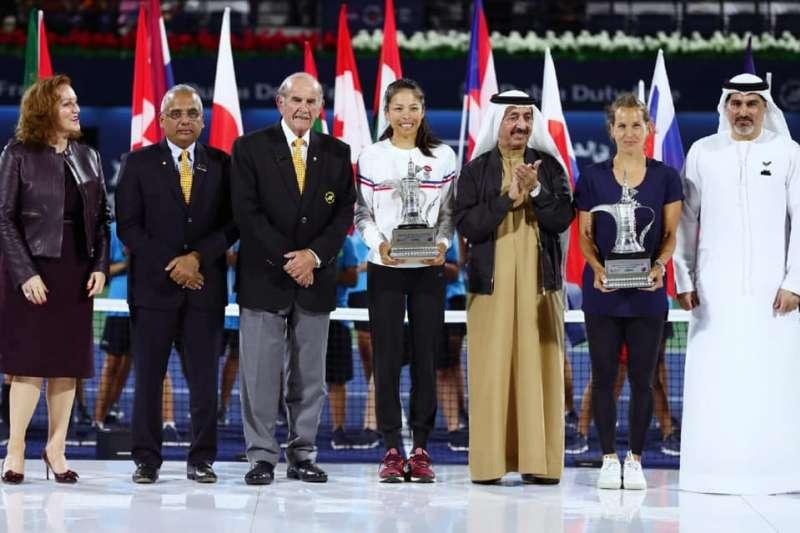 謝淑薇與搭檔史翠可娃在杜拜網賽完成2連霸。(圖諞取自謝淑薇臉書)