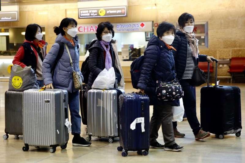 中央流行疫情指揮中心宣布,美國、加拿大、澳洲及紐西蘭等4國旅遊疫情皆升至第三級警告,國人非必要勿前往旅遊。示意圖。(資料照,美聯社)