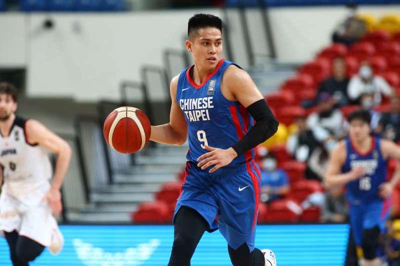 陳盈駿認為下一階段要能夠表現更好,必須要先提升自己的表現。(圖片取自FIBA官網)