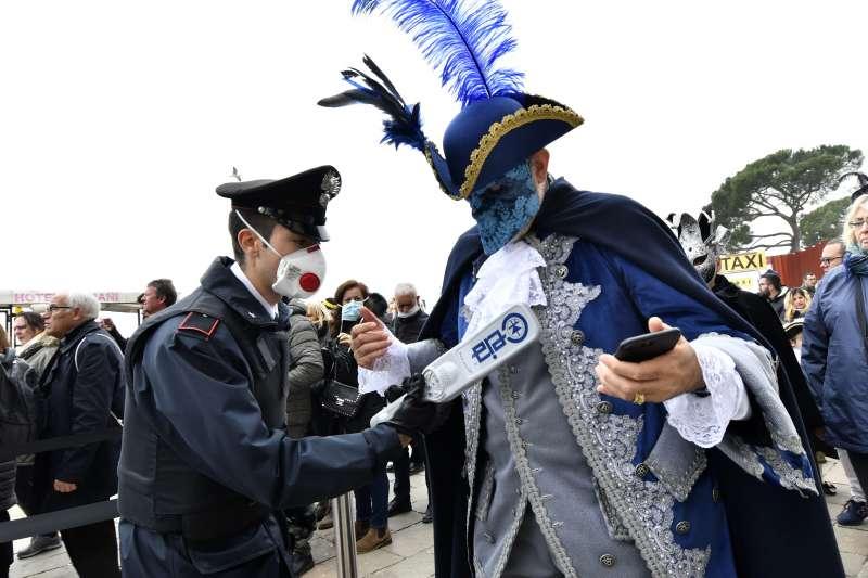 義大利北部嚴防疫情擴大,威尼斯嘉年華會提早2天結束(AP)