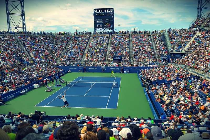 你知道網球和羽球比賽英文轉播中提到的 love 是什麼意思嗎? 「表演賽」的英文又要怎麼說?(圖/pixabay)