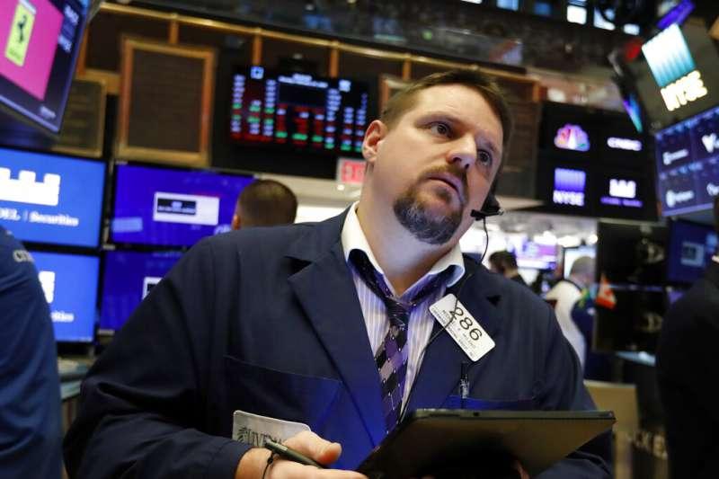 病毒衝擊來了 台股開盤為何只跌百點 疫情擴散 歐美股市全倒 道瓊指數狂跌逾千點 風傳媒