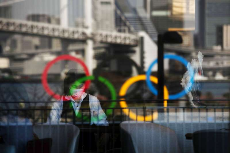 武漢肺炎疫情持續升高,日本還要不要/能不能繼續舉辦東京奧運,成了各界最大的懸念之一。(美聯社)
