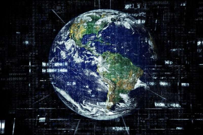 現在有越來越多的國家正在以極端的網路封禁手段來對批評者噤聲,或者不受監督地侵犯人權。(圖/pixabay)