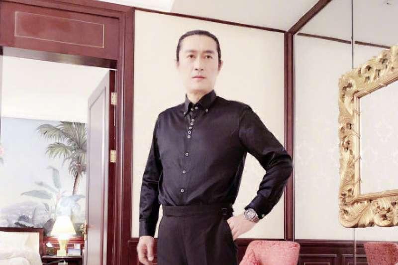 資深藝人黃安在微博表示,生為中國人是一種福分,呼籲每個中國人為此感激。(資料照,取自黃安微博)