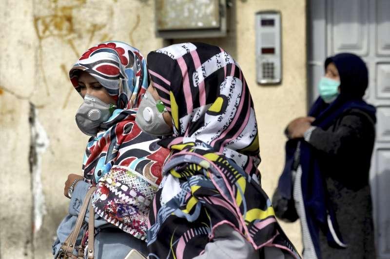 2020年2月,武漢肺炎(新冠肺炎)疫情在伊朗大規模爆發,首都德黑蘭人人自危(AP)