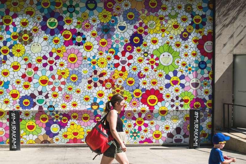2006年,村上隆作品《727》拍出一億日圓天價,被譽為「日本最貴藝術家」。(圖/flickr@Phil Roeder)