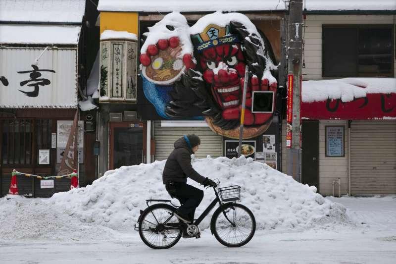 日本北海道雪景、自行車、單車、腳踏車。(美聯社)